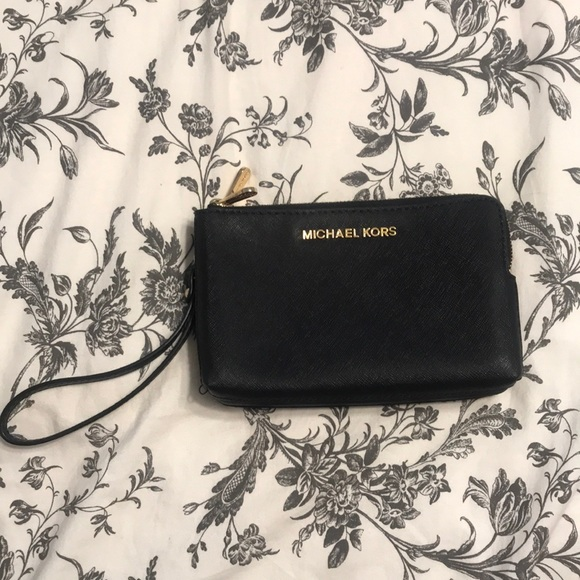 MICHAEL Michael Kors Handbags - Michael Kors Black Wristlet